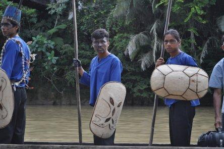 Au cœur de l'Amazonie, une communauté indigène résiste aux multinationales pétrolières